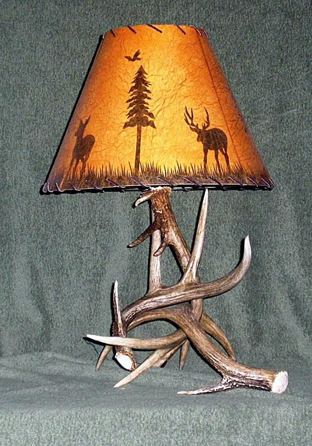 Whitetail Table Lamp